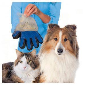 True Touch rukavica za češljanje pasa i mačaka